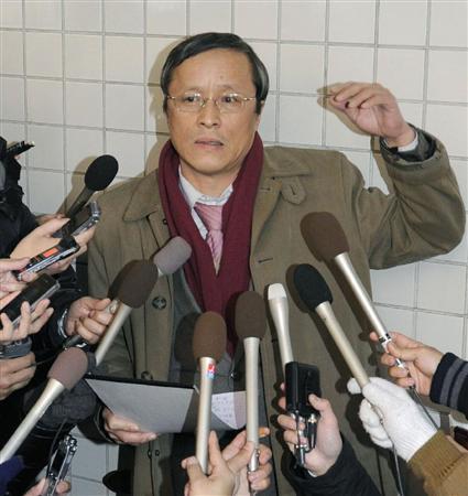 弁護人の滝本氏が辞任「利害対立恐れ」2012.1.11 21:11 [w... の再開を熱望する
